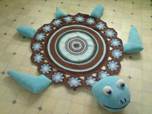 Sea Turtle Rug  - free crochet rug patterns