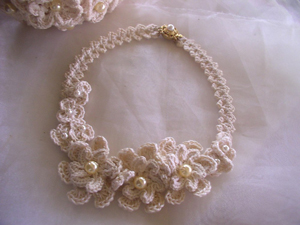 Cotton Lover's Wedding Necklace - free wedding crochet pattern