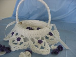 Flower Girl Basket Liner - Free crochet wedding pattern