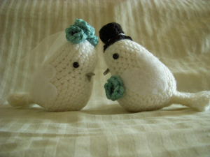 Lovebird Amigurumi - sweet wedding gift or cake topper!