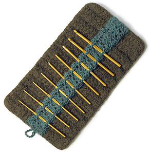Kluster - free felted crochet hook case pattern