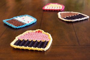 Crochet Cupcake Coasters - Free Cupcake Crochet Pattern!