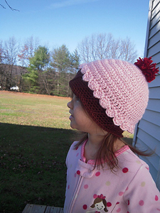 Cupcake Beanie  - Free Cupcake Crochet Pattern! (fits newborns to adults!)