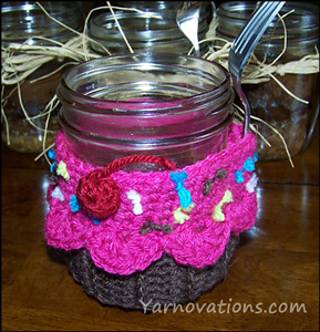 Cupcake Jar  - Free Cupcake Crochet Pattern - with yummy free recipe!