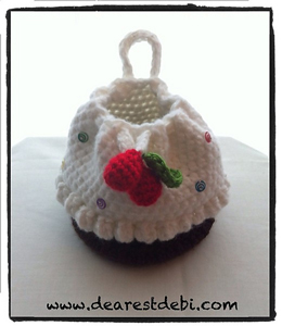 Cupcake Purse with Cherries on Top - Free Cupcake Crochet Pattern!