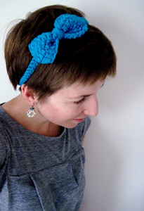 Cute Bow Headband - crochet hair accessories, free pattern!