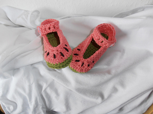 Melina Watermelon Baby Shoes - Free Watermelon Crochet Patterns! Roundup on Moogly