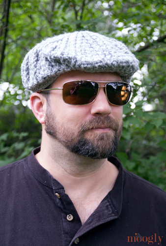 Crochet Pattern Mens Hat With Brim : Free Pattern: Mens Cabled Golf Cap - moogly