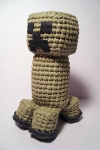 Minecraft Creeper Amigurumi - free crochet video game amigurumi patterns