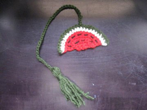Watermelon Book Marker - Free Watermelon Crochet Patterns! Roundup on Moogly