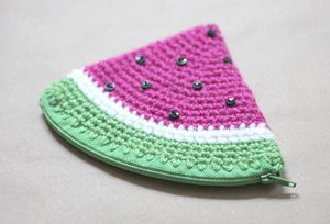 Watermelon Coin Purse - Free Watermelon Crochet Patterns! Roundup on Moogly