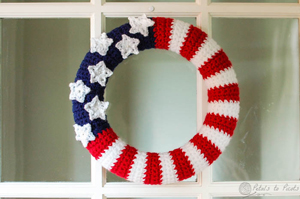 Crochet Wreath Patterns - 12 free crochet patterns to decorate your door all year long!