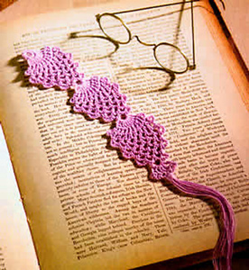 Ravelry: Pretty Pineapples Bookmark pattern by Dionne Barratt