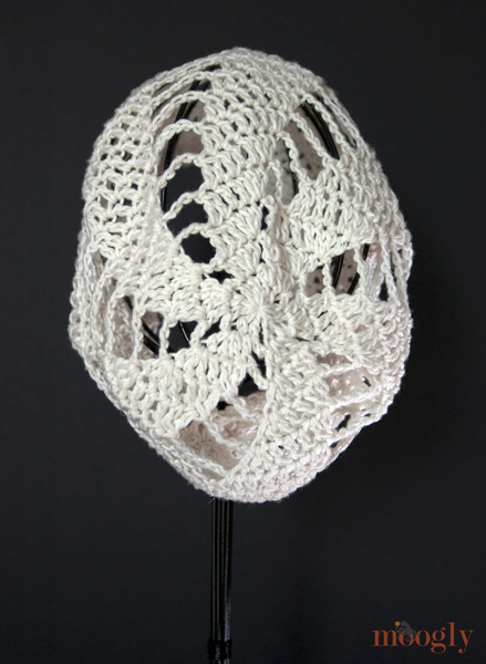 Spinning Summer Slouchy Beanie - free crochet pattern on moogly