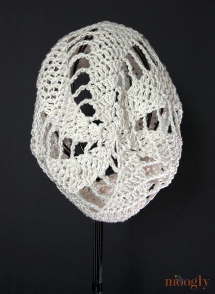 862a0bb07db Spinning Summer Slouchy Beanie - free crochet pattern on moogly