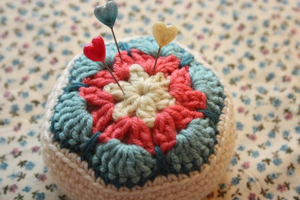 African Flower Pincushion - roundup of Free African Flower Motif Patterns on Moogly!
