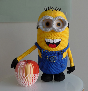 Minion on All About Ami - free Minons crochet patterns roundup on Moogly!