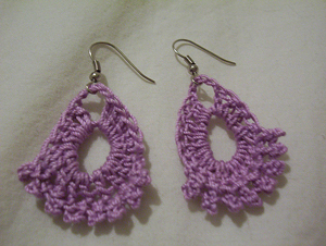 Dainty Earrings :: Free Crochet Earrings Roundup on Moogly
