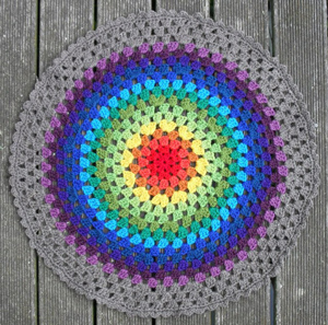 Granny - Free #Mandala #Crochet Pattern Roundup