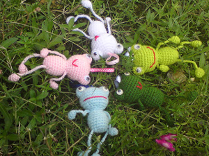 Happy Frog :: Free Crochet Frog Patterns! Hop to it!