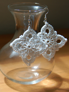 Large Royal Earrings :: Free Crochet Thread Earrings Roundup on Moogly