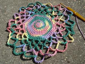 Mandala Market - Free #Mandala #Crochet Pattern Roundup