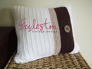 RIbbed Cushion Cover :: Crochet Pillow Pattern