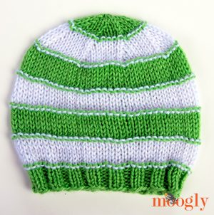 Stripey Knit Slouchy Beanies - Free pattern with 4 sizes on Moogly!!
