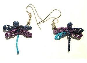 Tiny Dragonfly Earrings :: Free Crochet Thread Earrings Roundup on Moogly