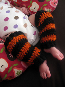 Baby Legs :: Free #crochet leg warmers patterns for kids!