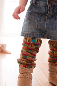 Cozy Crawlers Leg Warmers :: Free #crochet leg warmers patterns for kids!