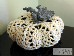 Crochet Pumpkin Pattern: Doily Pumpkin!