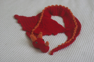 Dragon Scarf:: Part of 10 Free Crochet Animal Scarf Patterns!