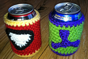 Free #Crochet Avengers Patterns :: Hulk and Iron Man Soda Covers