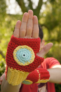 Free #Crochet Avengers Patterns :: Iron Man Fingerless Gloves