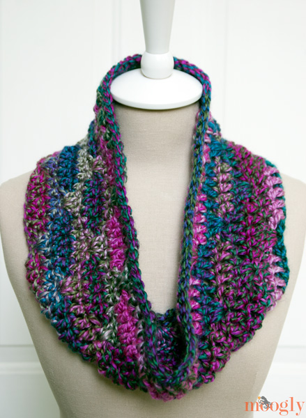Free Pattern Luscious One Skein Cowl Moogly