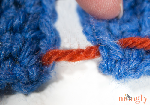 Mattress Stitch Seaming for #Crochet Projects - video and photo tutorial on Moogly