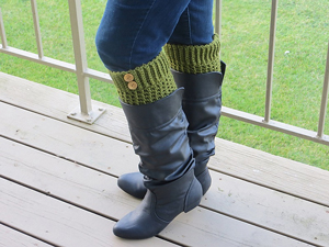Brooklyn Book Cuffs :: free #crochet boot cuff patterns