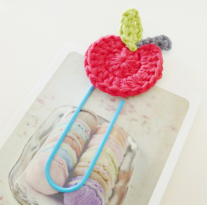 Crochet Apple :: Free Crochet Apple Patterns Roundup on Moogly!