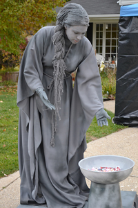 Halloween Wig for a Living Statue! (Don't blink!) :: Free Crochet Wig Patterns