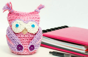 Owl Apple Cozy :: Free Crochet Apple Patterns Roundup on Moogly!