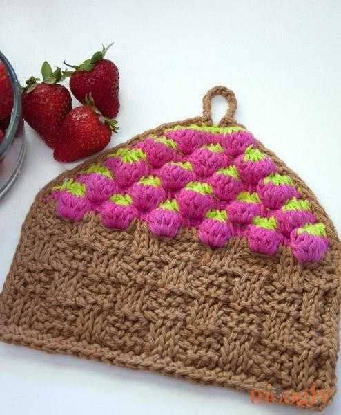Free Pattern Strawberry Basket Tunisian Dishcloth Moogly