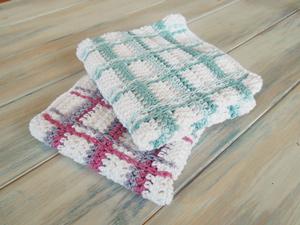 Tartan Plaid Wash Cloths :: free plaid crochet pattern!