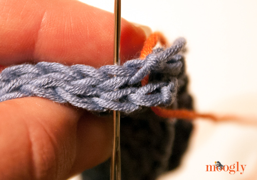 Video Tutorial: Whip Stitch Seaming - moogly