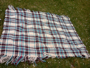 Woven Scoth Plaid Afghan :: free plaid crochet pattern!
