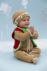 Gingerbread Baby Set :: Bake (or Make!) A Dozen Free #Crochet Gingerbread Patterns