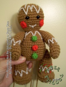 Gingerbread Man :: Bake (or Make!) A Dozen Free #Crochet Gingerbread Patterns