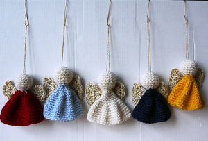 Quick and Easy Angel Ornaments :: Free #Crochet Angel Patterns
