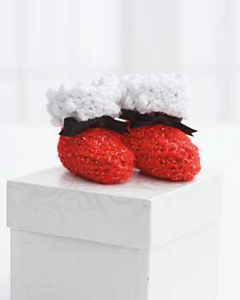 Santa Baby Booties :: Free Holiday #Crochet Patterns for Babies!