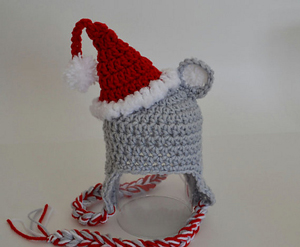 Santa Moust Hat :: Free Holiday #Crochet Patterns for Babies!